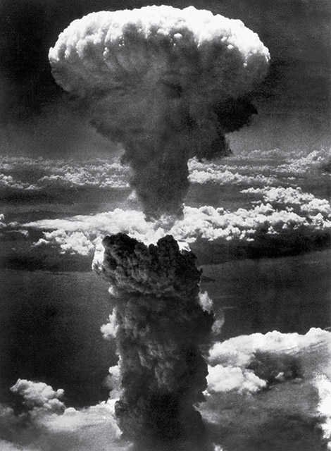 time-100-influential-photos-lieutenant-charles-levy-mushroom-cloud-nagasaki-37